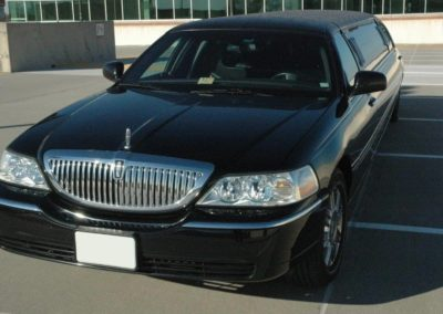 Front view black stretch limo